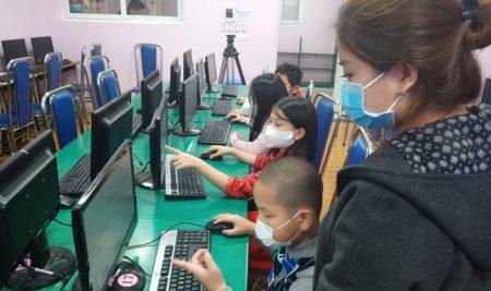 Thu học phí dạy online thế nào là hợp lý?