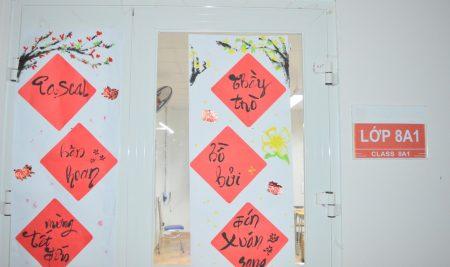 Học sinh khối THCS thi viết câu đối Tết: Lời chúc tốt đẹp ngày đầu năm