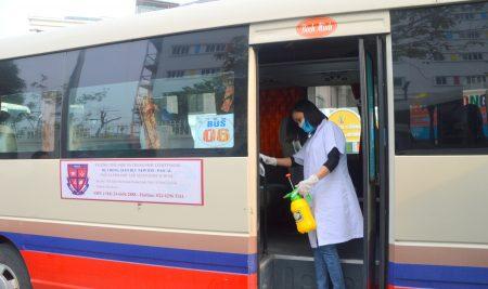 Trường Pascal sát khuẩn phòng học, xe buýt đưa đón học sinh phòng chống dịch bệnh.