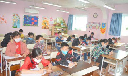 Học sinh trường Pascal đeo khẩu trang trong lớp phòng nCoV